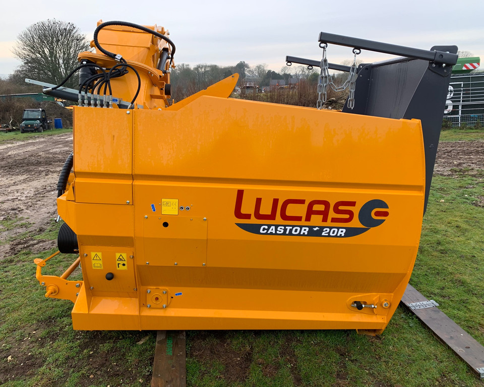 Lucas Castor 20 R mounted Bale Feeder & Straw Blower 11025398 (JA)