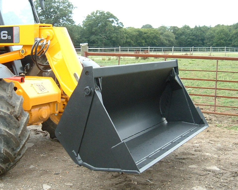 B 62 4 IN 1 ON JCB 1